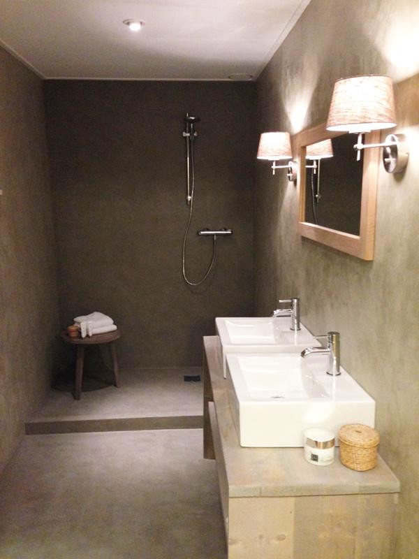 Nategmo heeft een onge venaarde ervaring in ambachtelijke stuctechnieken zoals de venetiaanse - Waterafstotend badkamer ...